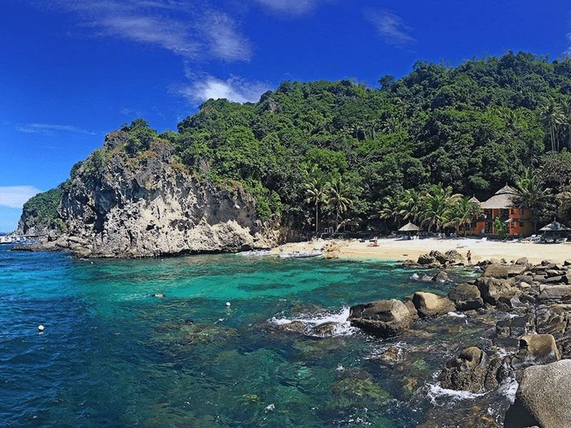 Liveaboard trips in the Philippines